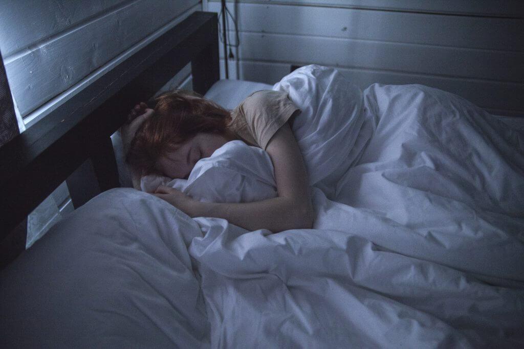 Wie groß sollte mein skandinavisches Bett sein?