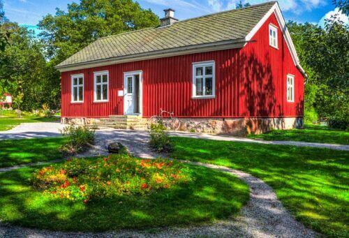 Schwedenfarbe – Skandinavisches Gartenhaus mit schwedischer Holzfarbe streichen