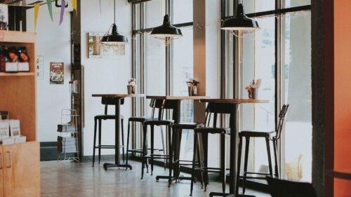 Skandinavische Barhocker – 10 Ideen für dein Zuhause
