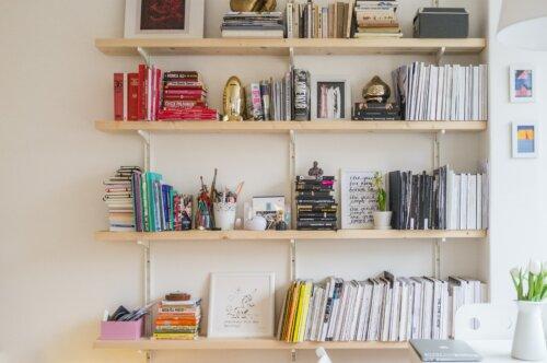 Skandinavische Bücherregale: Unsere Top 10