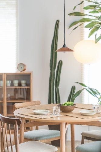 Skandinavische Lampe aus Holz