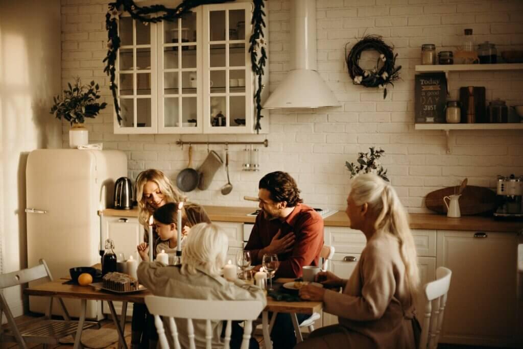 Skandinavische Weihnachten Familie