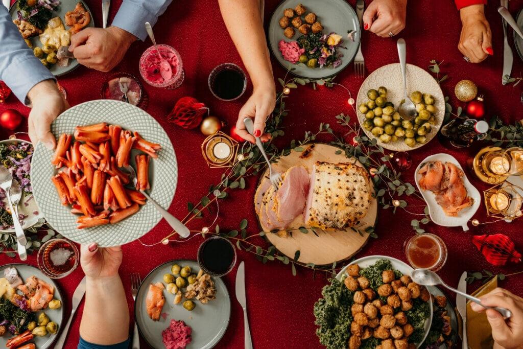 Skandinavische Weihnachten Festtafel Julskinka