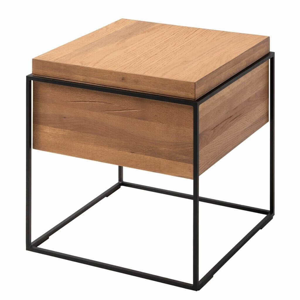 Moderner skandinavischer Beistelltisch aus Holz und Metall