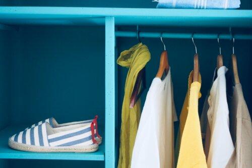 Skandinavischer Kleiderschrank – Stauraum trifft auf Mode
