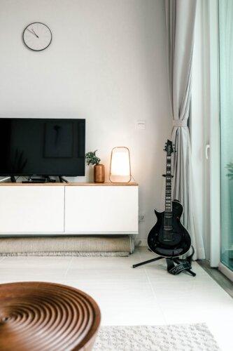 Skandinavische Lowboards: 10 Modelle für dein Wohnzimmer im Scandi-Style