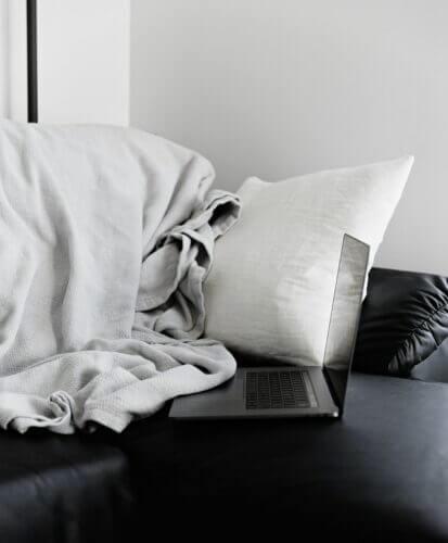 Skandinavisches Schlafsofa Quer- und Längsschläfer